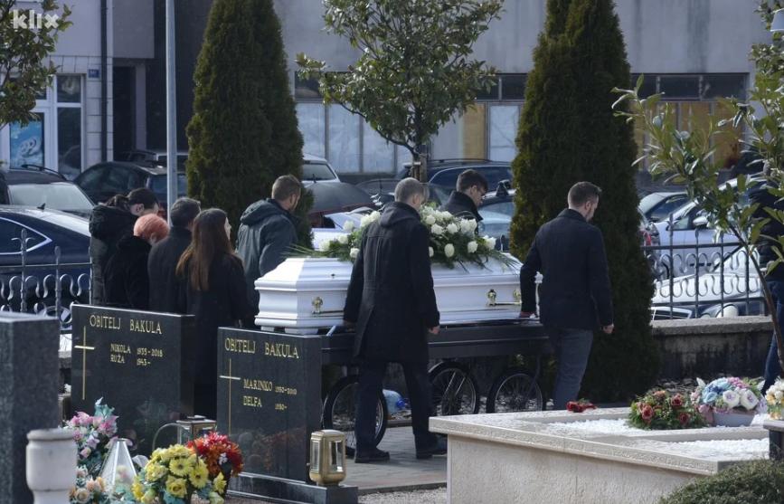 Velika tuga u Posušju: Sahranjeno dvoje od osmero tragično stradalih tinejdžera